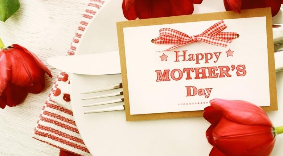 Auguri Festa della Mamma: 10 email ti vo