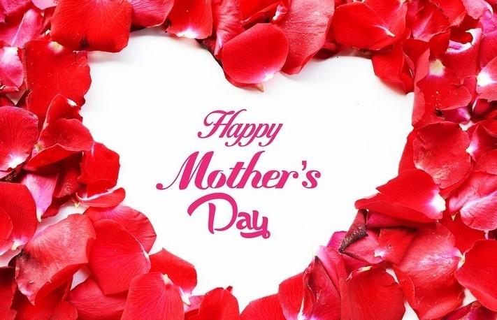 Auguri Festa della Mamma: video, frasi,