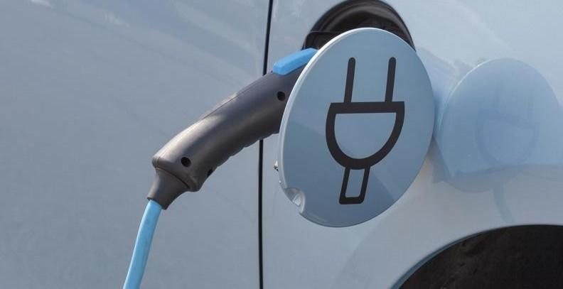 Auto elettrica conviene o non conviene c