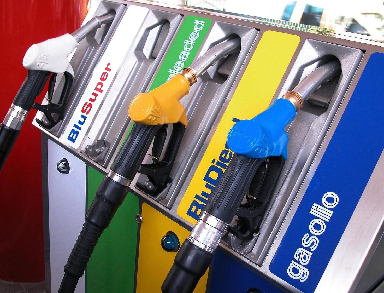 Auto diesel, ibrida o benzina quale acqu