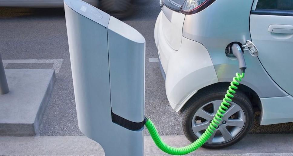 Auto elettrica gravi ritardi in Europa e