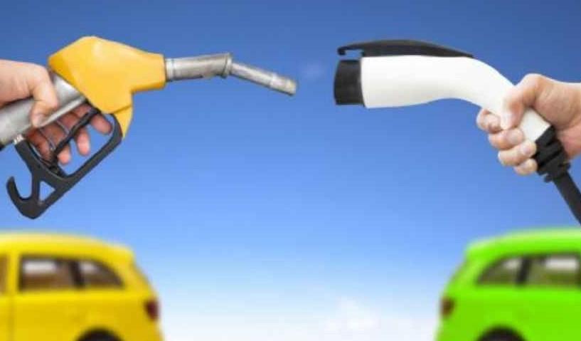 Auto elettrica, differenze costi con alt