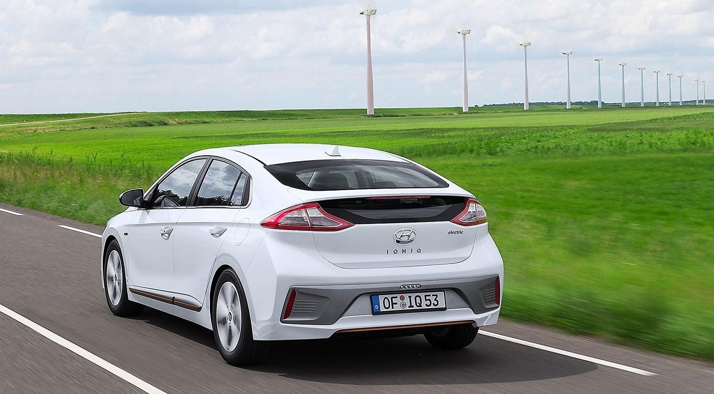 Auto elettriche, boom nel terzo trimestr