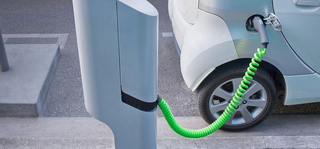 Auto elettriche colonnine non abbastanza