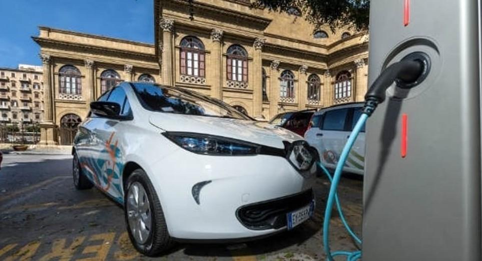 Auto elettriche, bugie e verità produtto