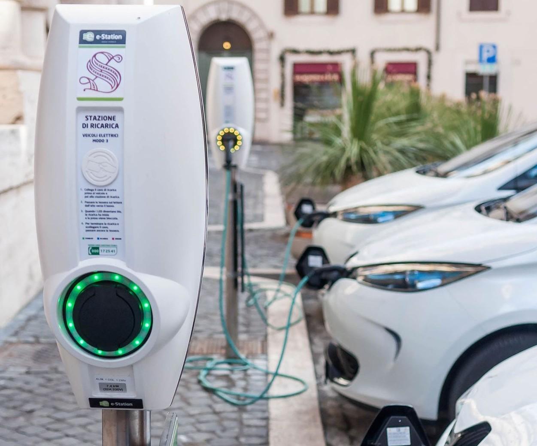 Auto elettriche, 200 Km in 8 minuti reco