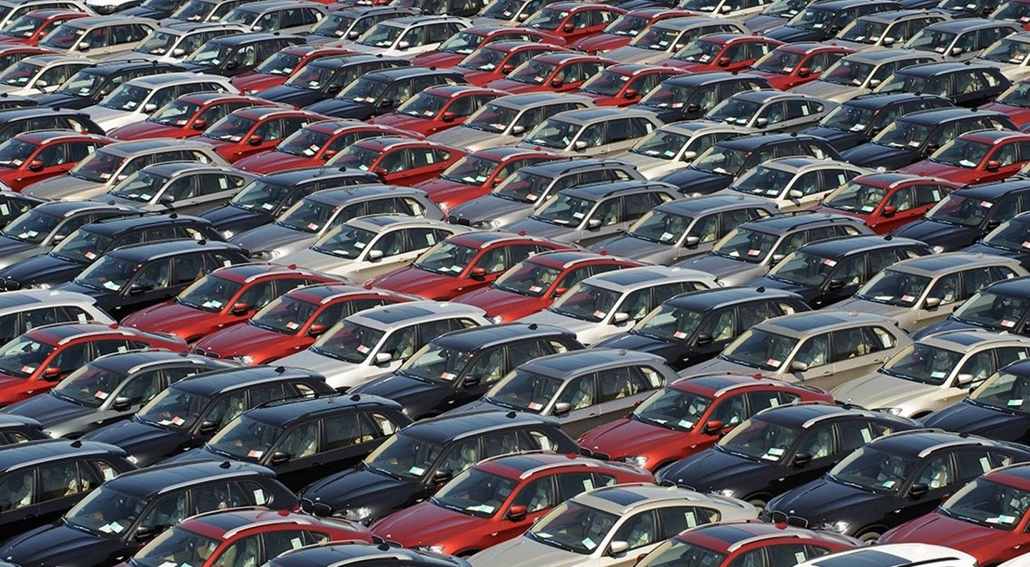 Auto ibride, benzina, diesel prezzi più