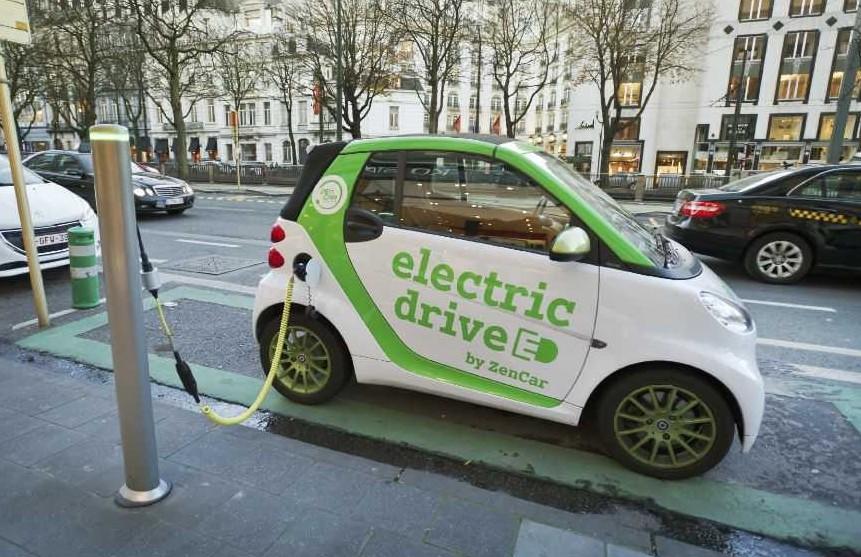 Auto ibride come quelle elettriche riduc