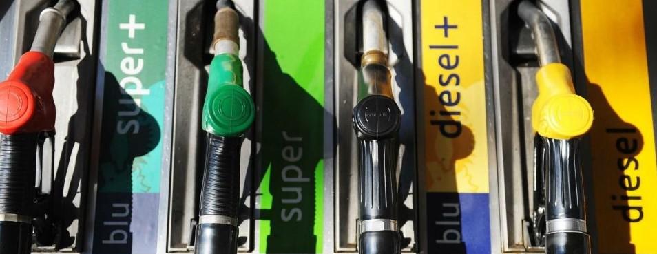 Auto, spese superiori per benzina e dies
