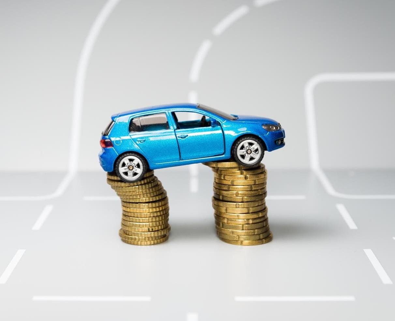 Auto, prelievo fiscale di 73 miliardi. E