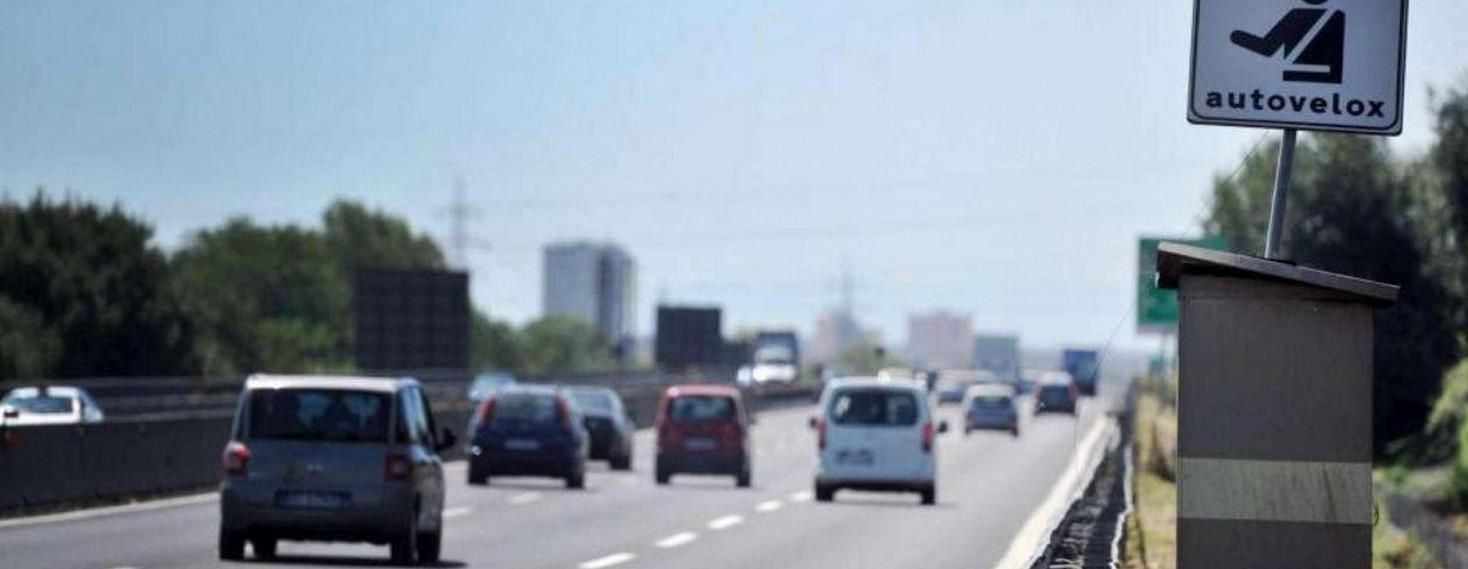 Autovelox su corsia opposta: multa valid