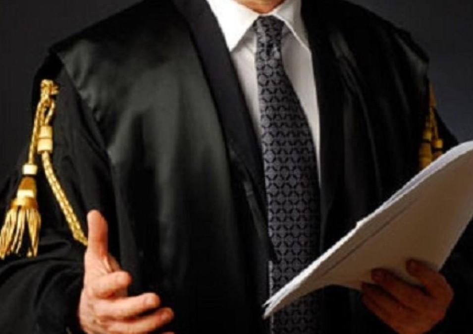 Avvocati 200 euro per un divorzio e prez