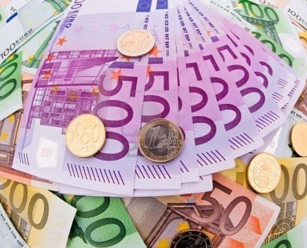 Banche: conti correnti aumenti per salva