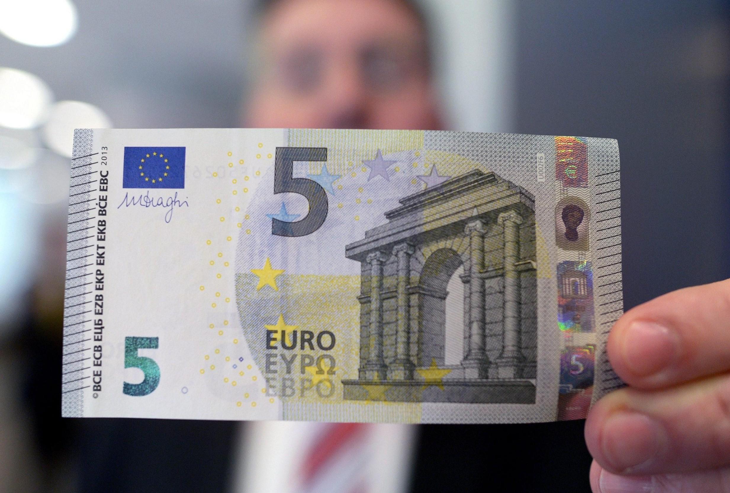 Banconota da 5 euro con una dedica speci