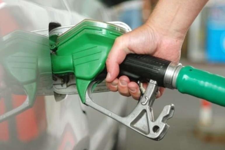 Benzina: metodi differenti per centinaia