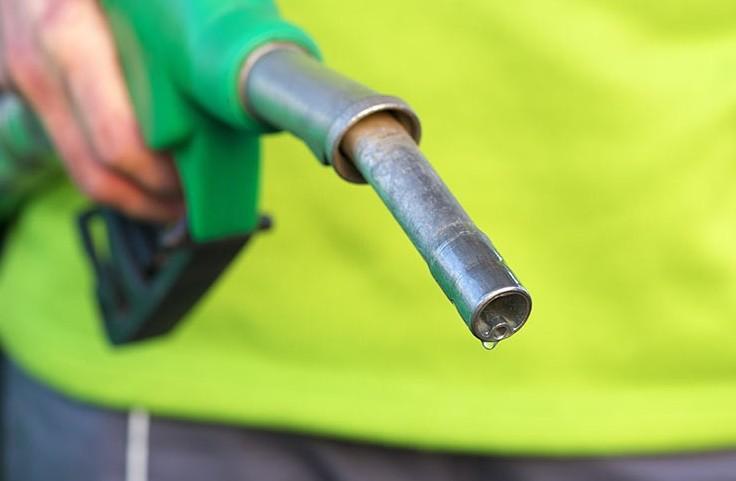 Prezzi benzina salgono ancora, ma ecco i
