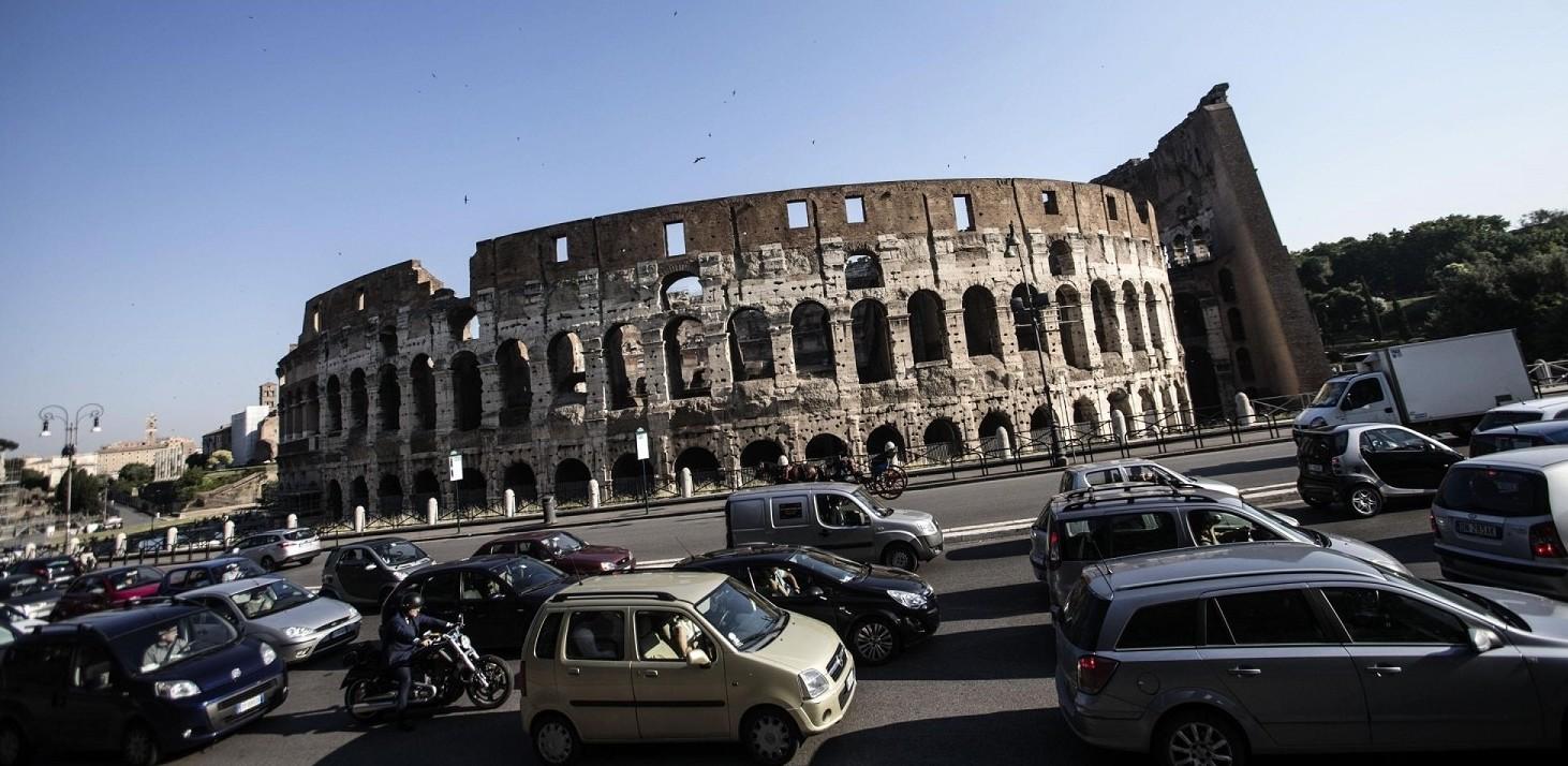 Blocco auto Roma domenica 2 Dicembre 201