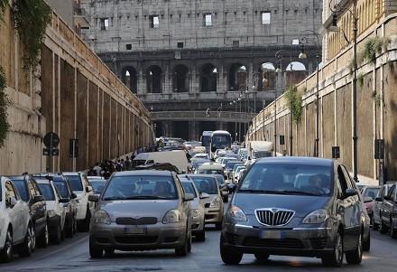 Blocco auto Roma domenica orari, chi può