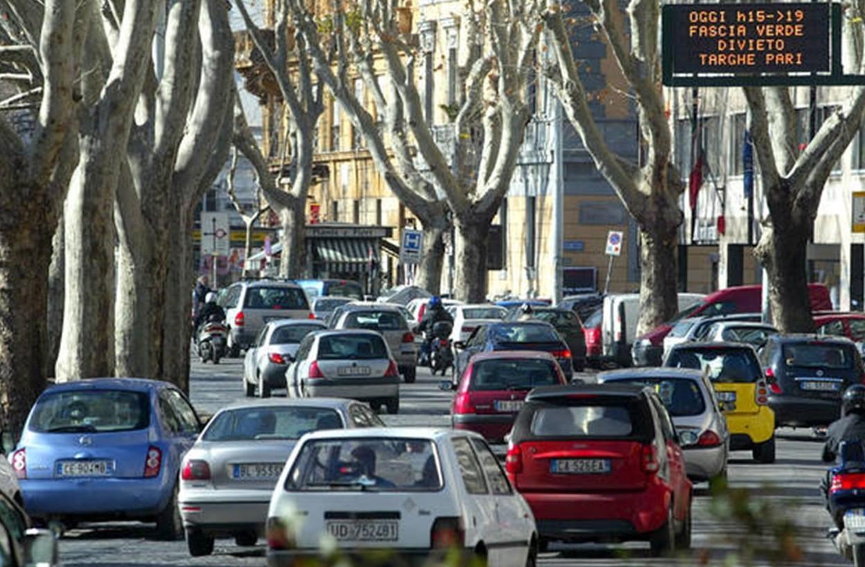 Blocco auto Torino e numerosi città Nord
