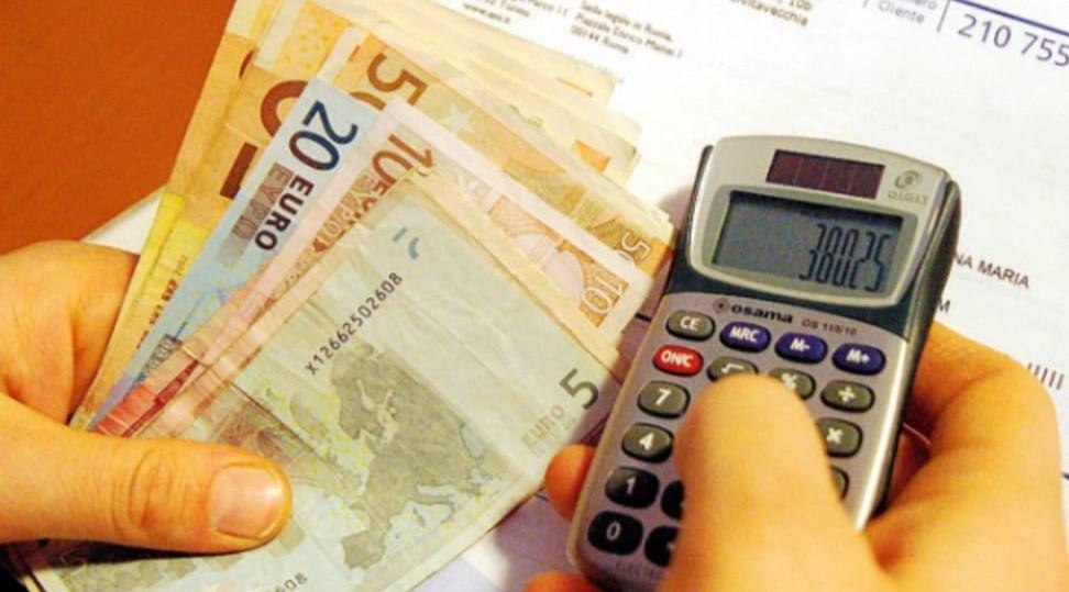 Bolletta da oltre 13mila euro, ma la cas