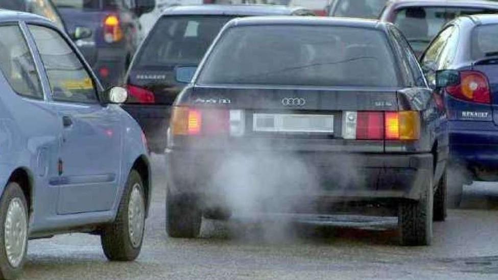 Bollo auto doveva essere abolito. Ora sa