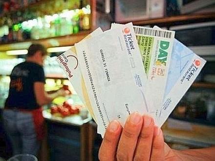 Buoni pasto cartacei ed elettronici: com