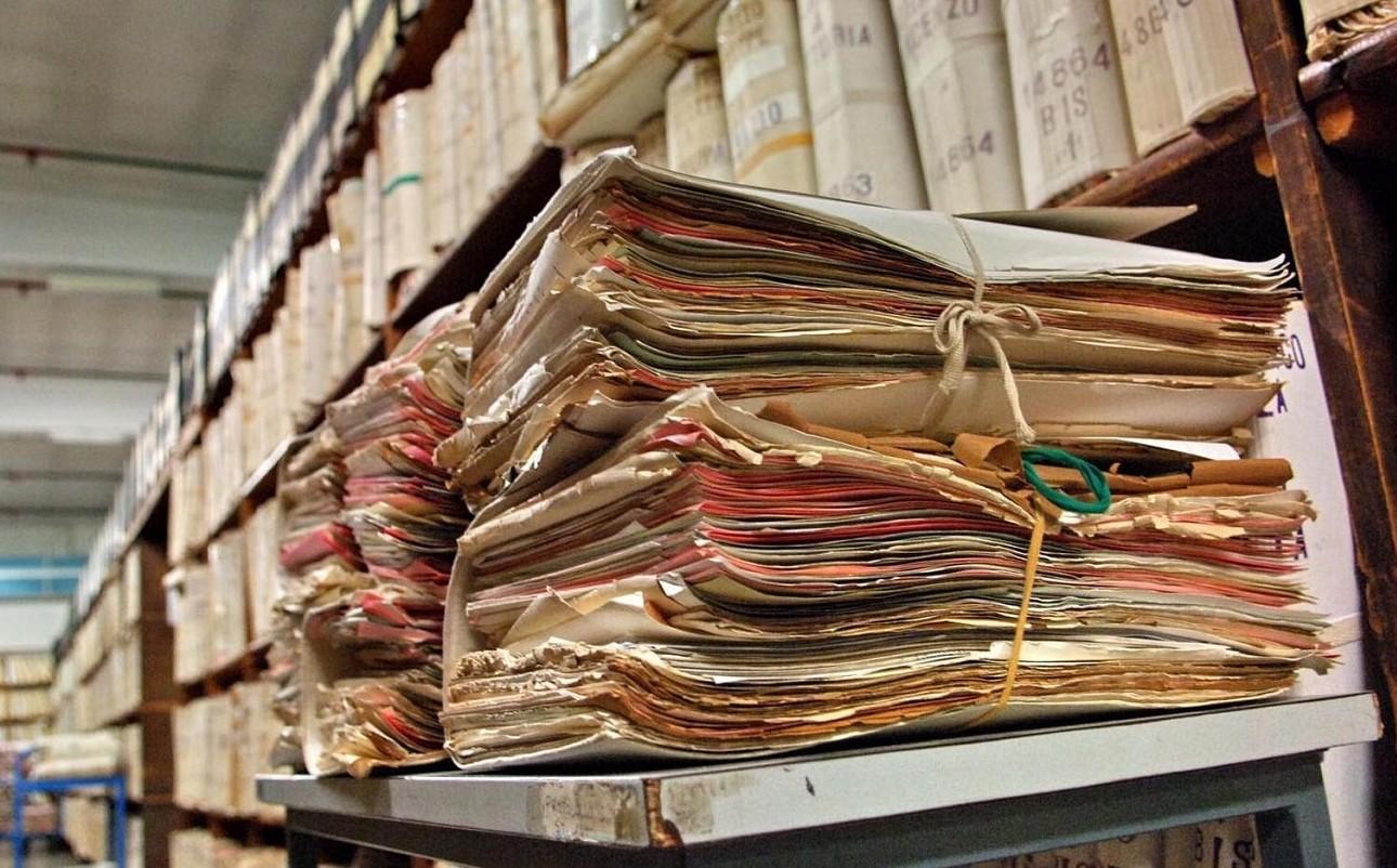Burocrazia e sprechi nella PA costano pi