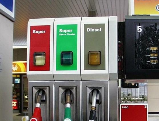 Carburanti prezzo molto alto. Rialzi for