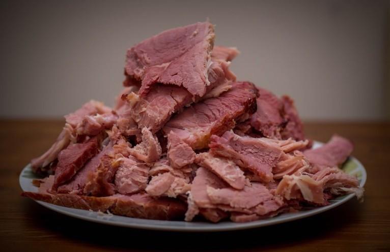 Carne sintetica tra pochi anni: alimento