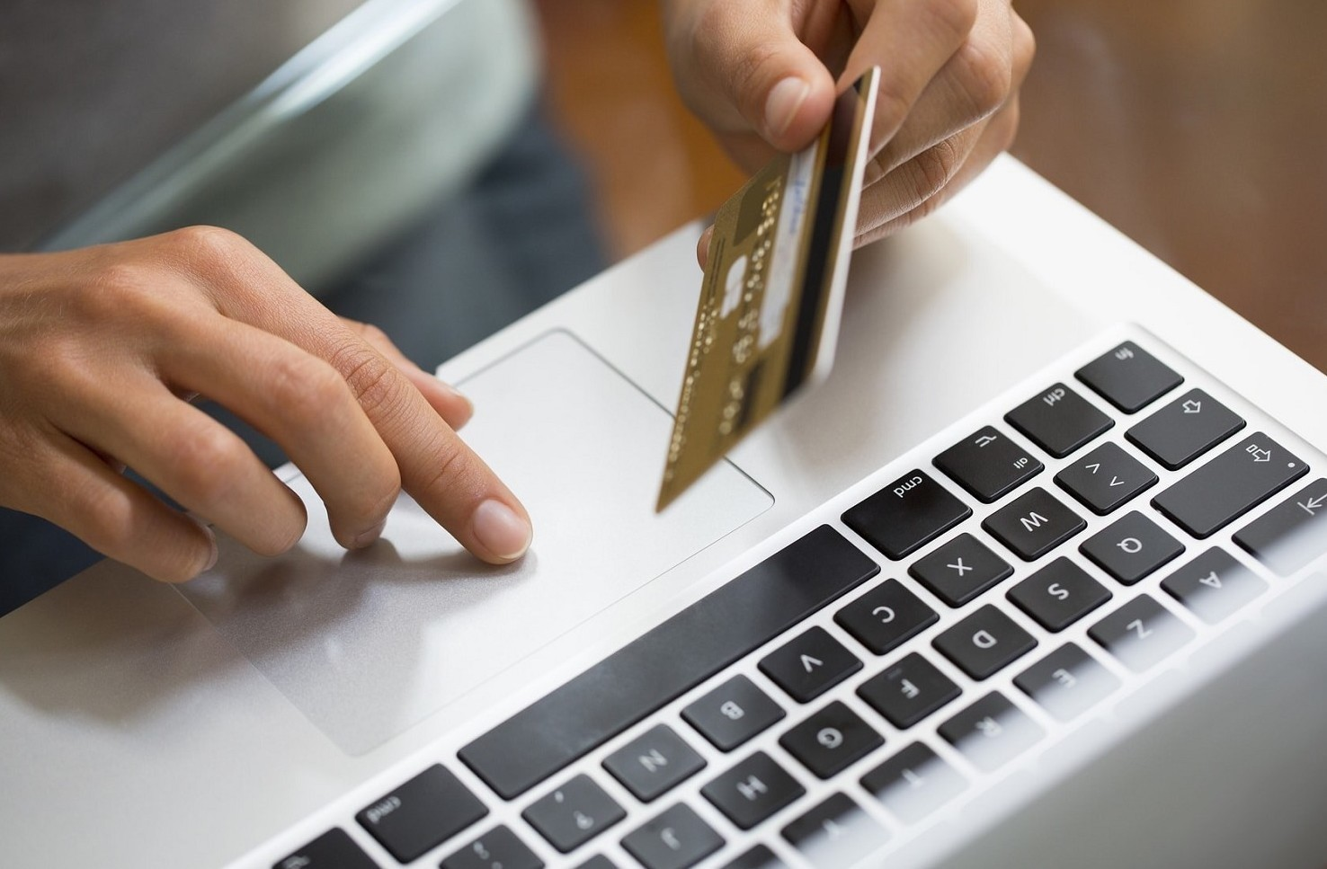 Conti correnti bancari e online: aumenti