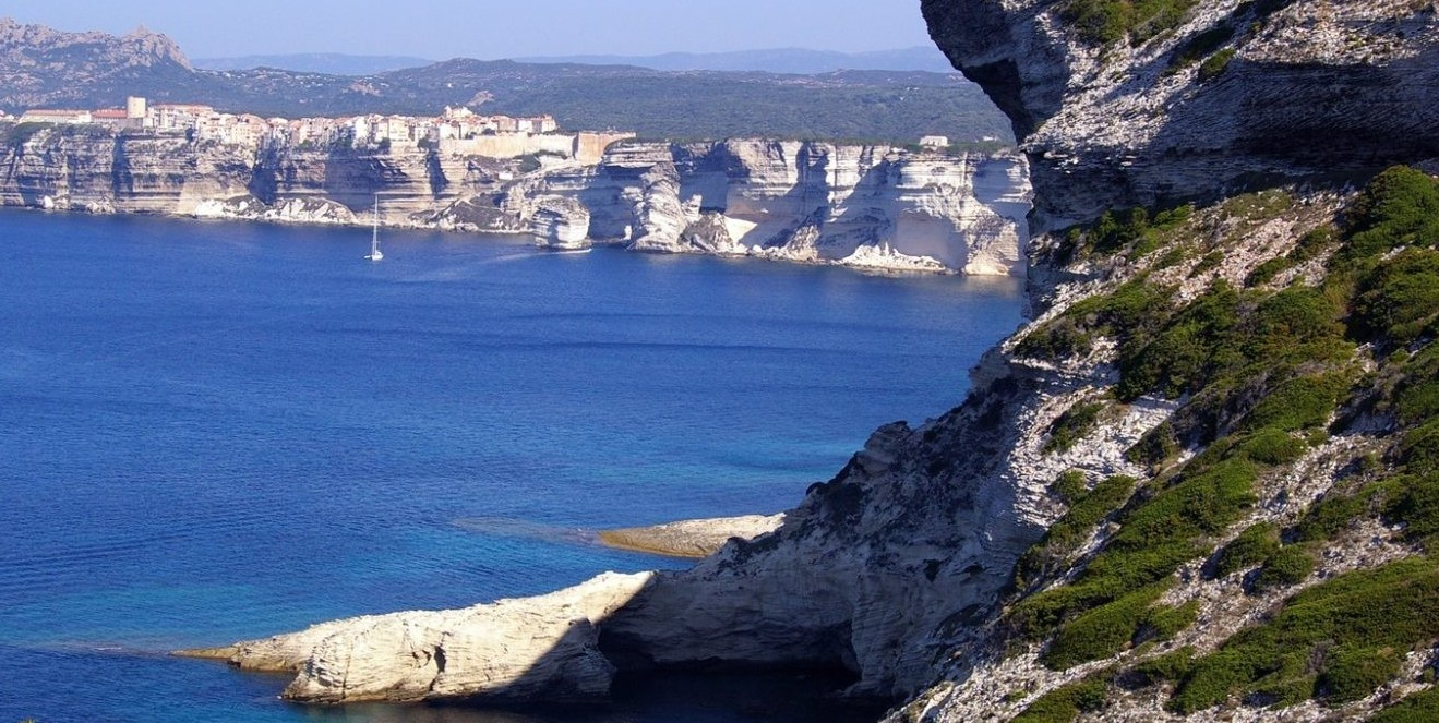 Corsica divieto bagni in mare sulla cost