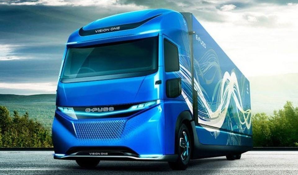 Daimler camion elettrico rivelato, Tesla