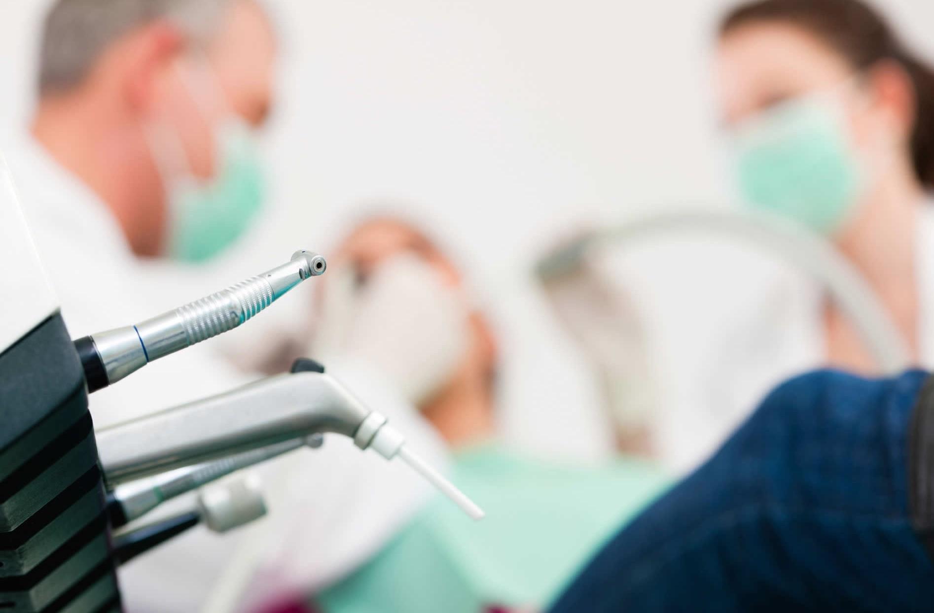 Dentisti low cost, qualità e prezzi bass