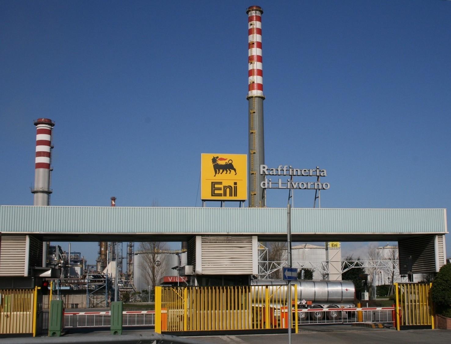 Sequestro depositi Eni petrolio in 13 se