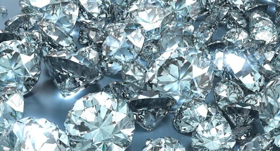 Truffa diamanti a tanti risparmiatori. B