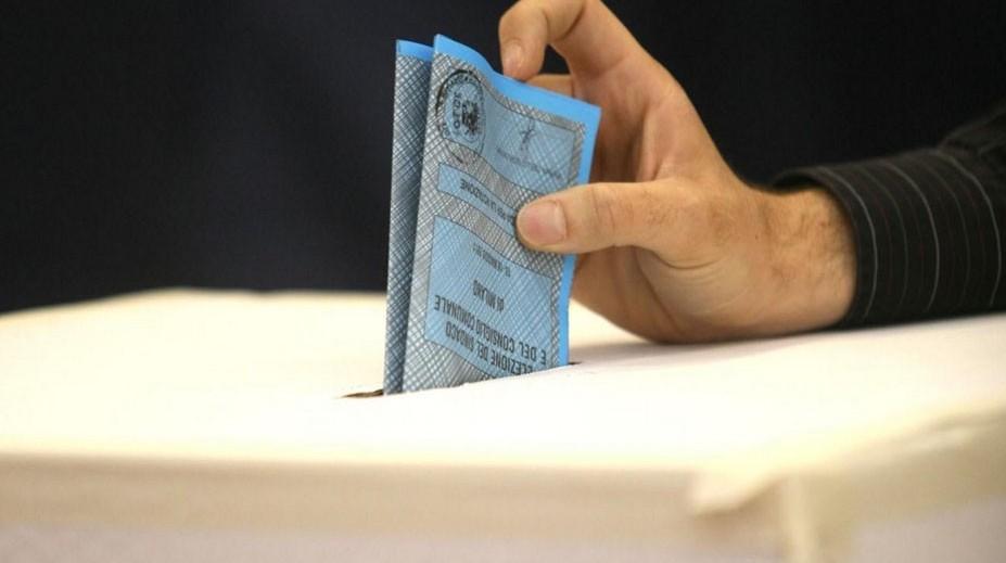 Elezioni Genova, L'Aquila, Taranto,