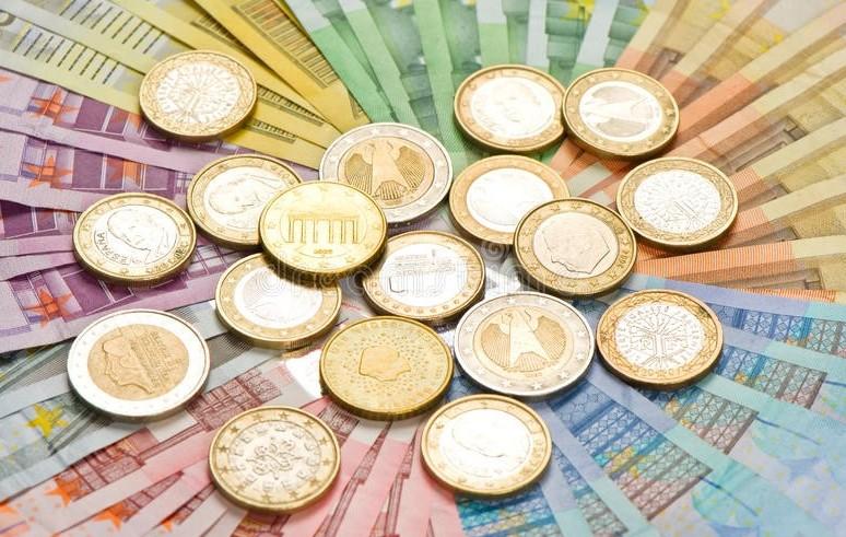 Euro falsi sempre meno, 20 euro a rischi