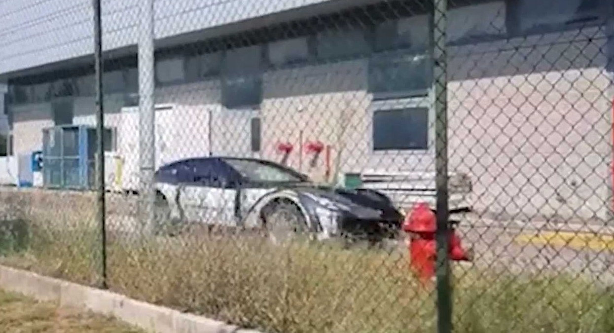 Ferrari Purosangue, ecco il video del Su