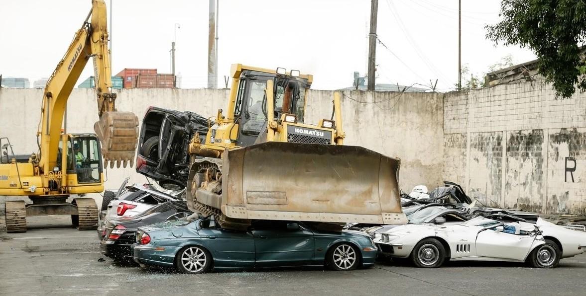 Filippine, distrutte 69 auto di lusso co