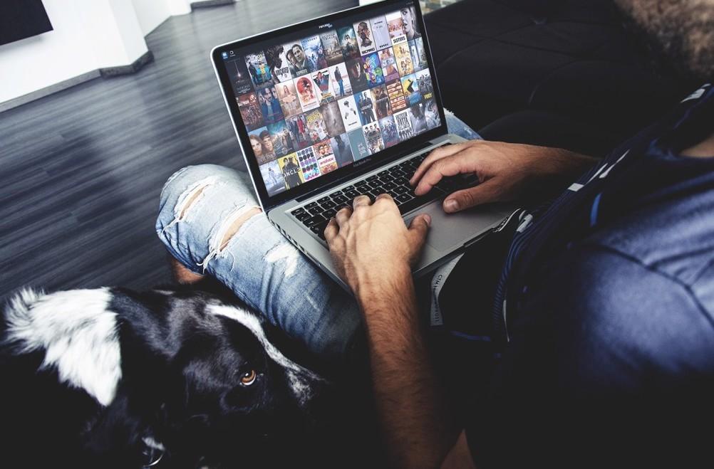 Film, telefilm, musica, partite di calci