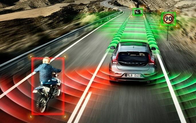 Guida autonoma: con le SmartRoad partono
