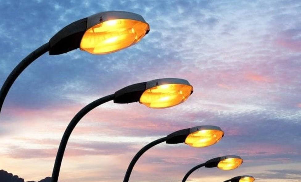 Illuminazione pubblica scoperti sprechi