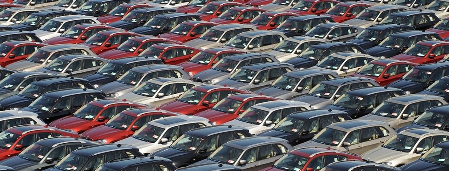 Incentivi auto e tasse per chi inquina d