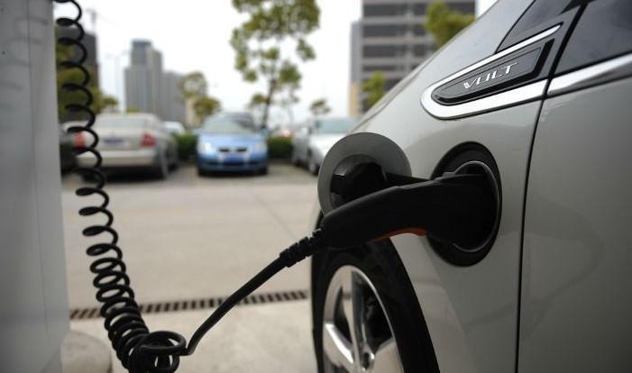 Incentivi auto elettriche incominciano c