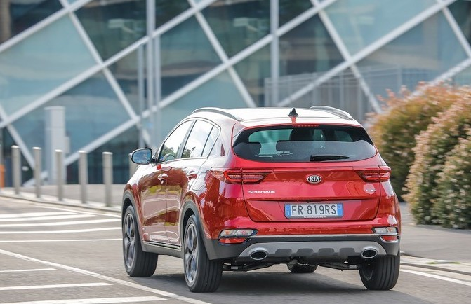 Kia Sportage Mild Hybrid, i pro e contro
