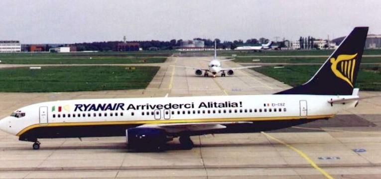Londra, Ryanair blocco aereo. Le accuse