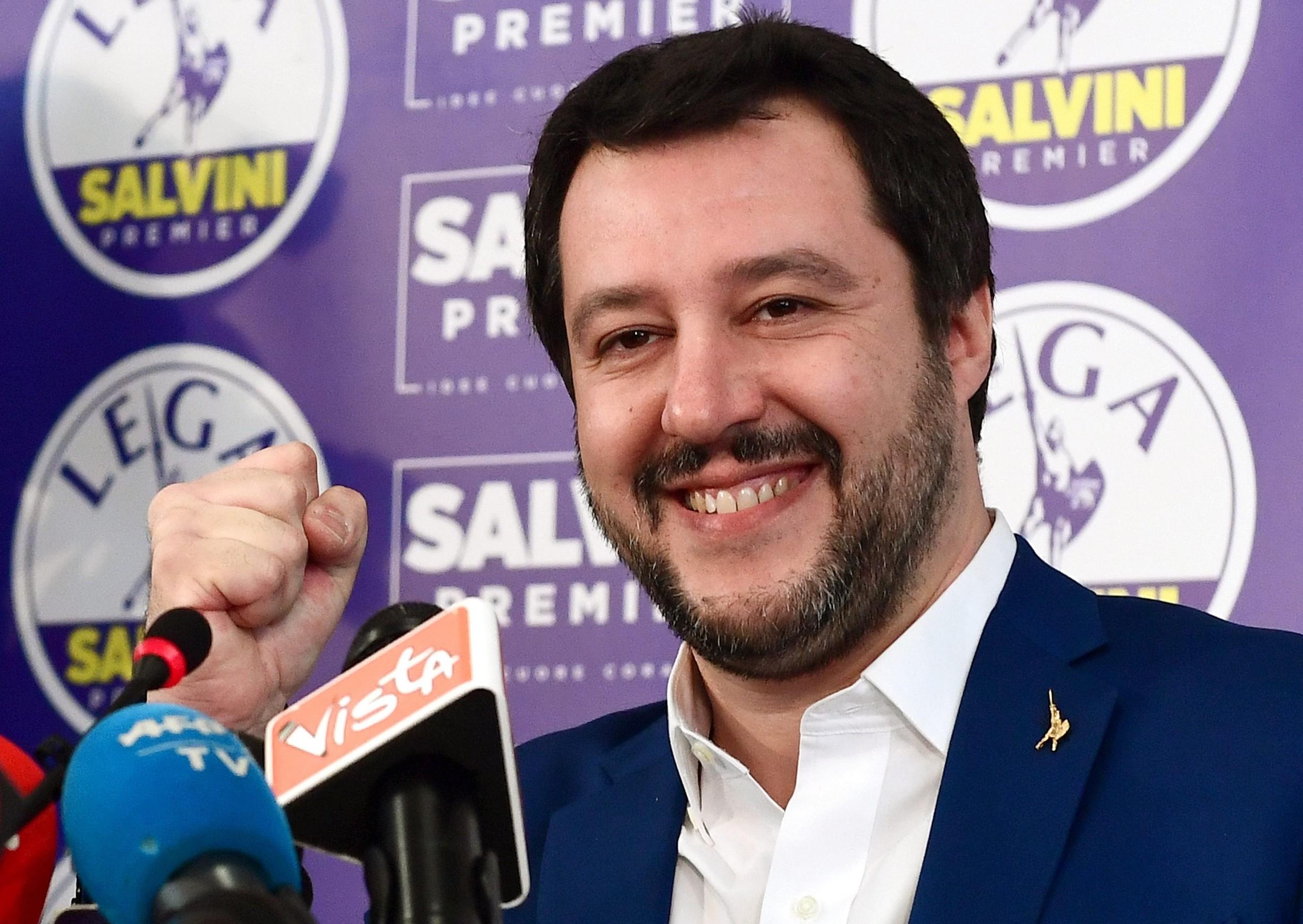 Matteo Salvini età, biografia, stipendio