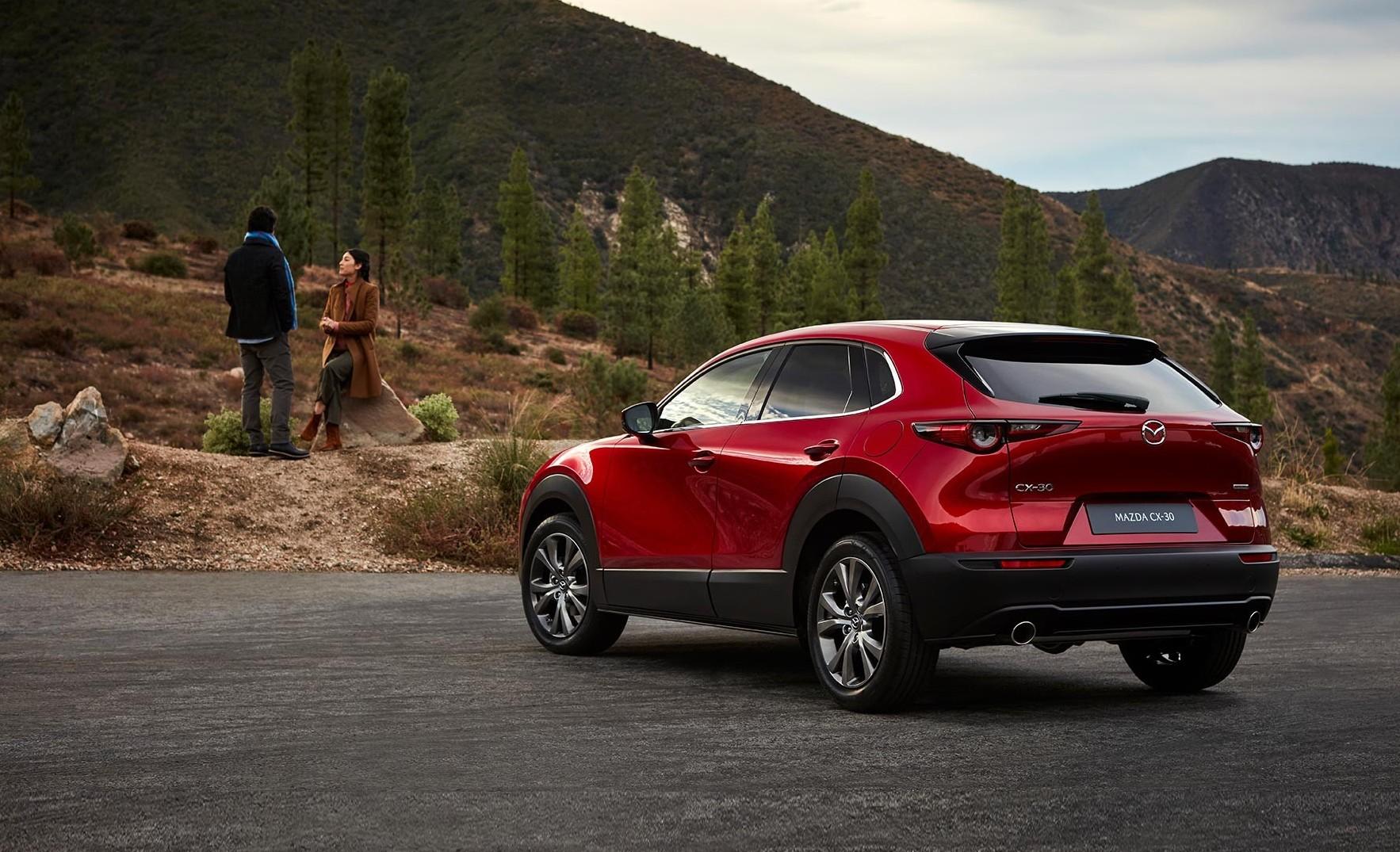 Mazda CX-30 recensioni e giudizi a confr