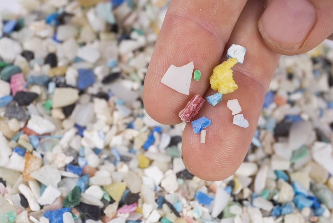 Microplastiche in forte crescita in beva
