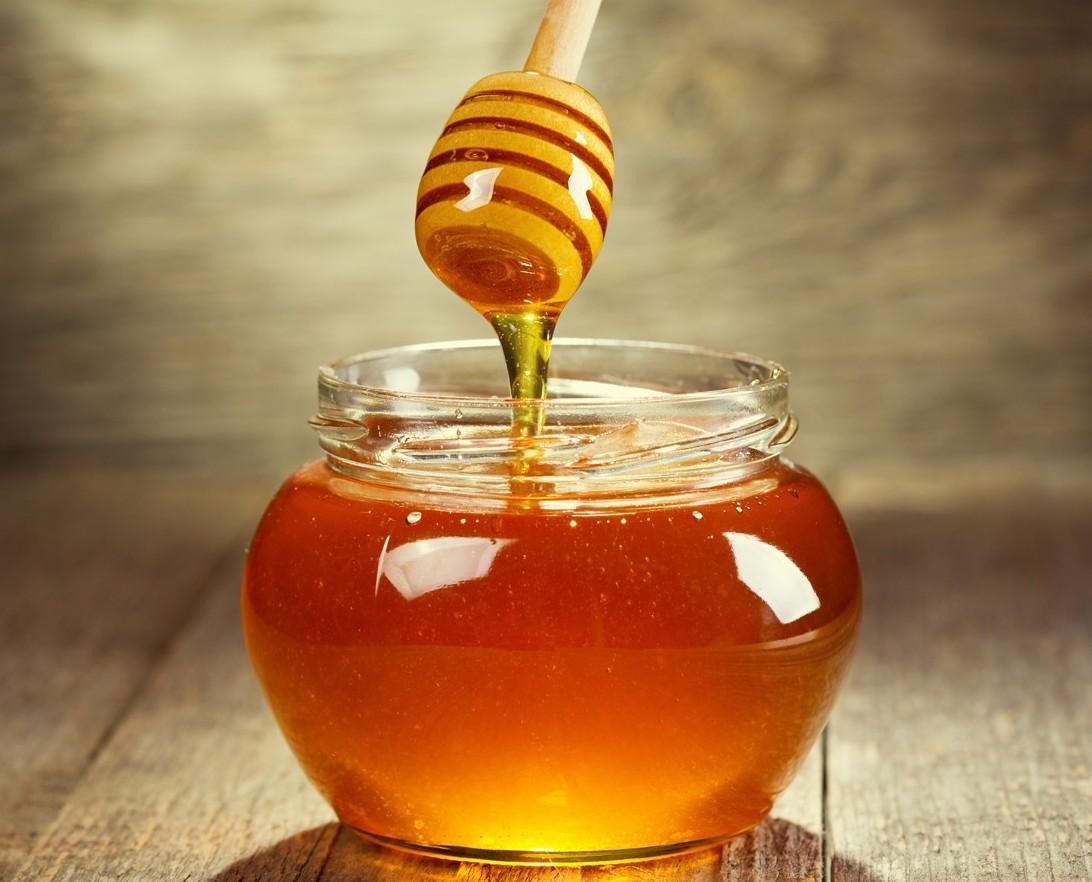 Miele: pesticidi in tre quarti del miele